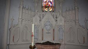 fond baptismal à la Tour du Pin