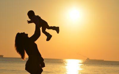 Réjouissons-nous dans la maternité ! Demandons la douceur et la façon d'aborder la vie avec amour